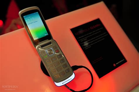 Motorola GLEAM+ Clamshell Gets Launched in Hungary via T