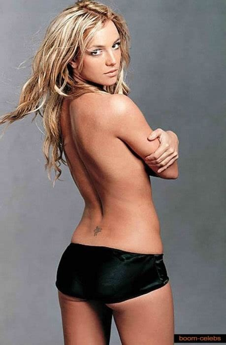 44 hot and sexy photos of Britney Spears shows her bikini body