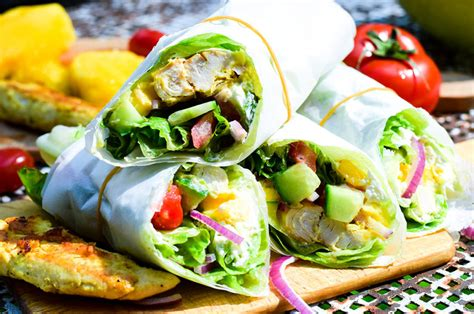 Sommerliche 🌯 Low Carb Curry Chicken Mango Salat Wraps
